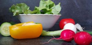 Gemüseportionen für Regenbogensalat