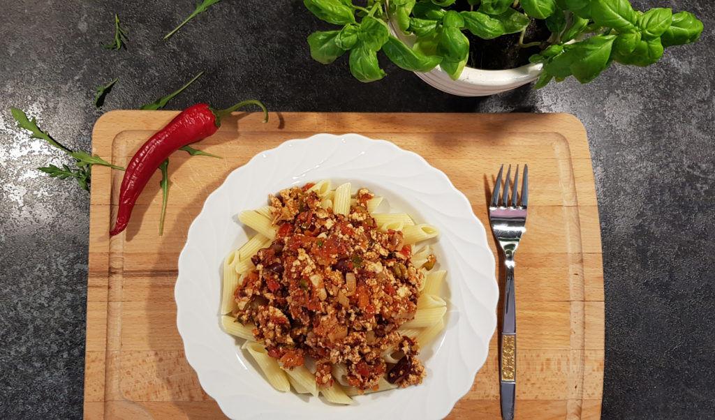 Penne-mit-Tomaten-Tofu-Sauce_vegan_Rezept_Diaetologie-Eberharter