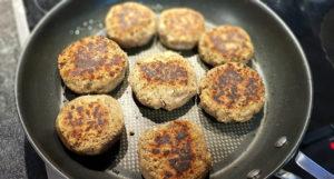 Veganer-Burger-mit-Linsen_Laibchen_Diaetologie-Eberharter
