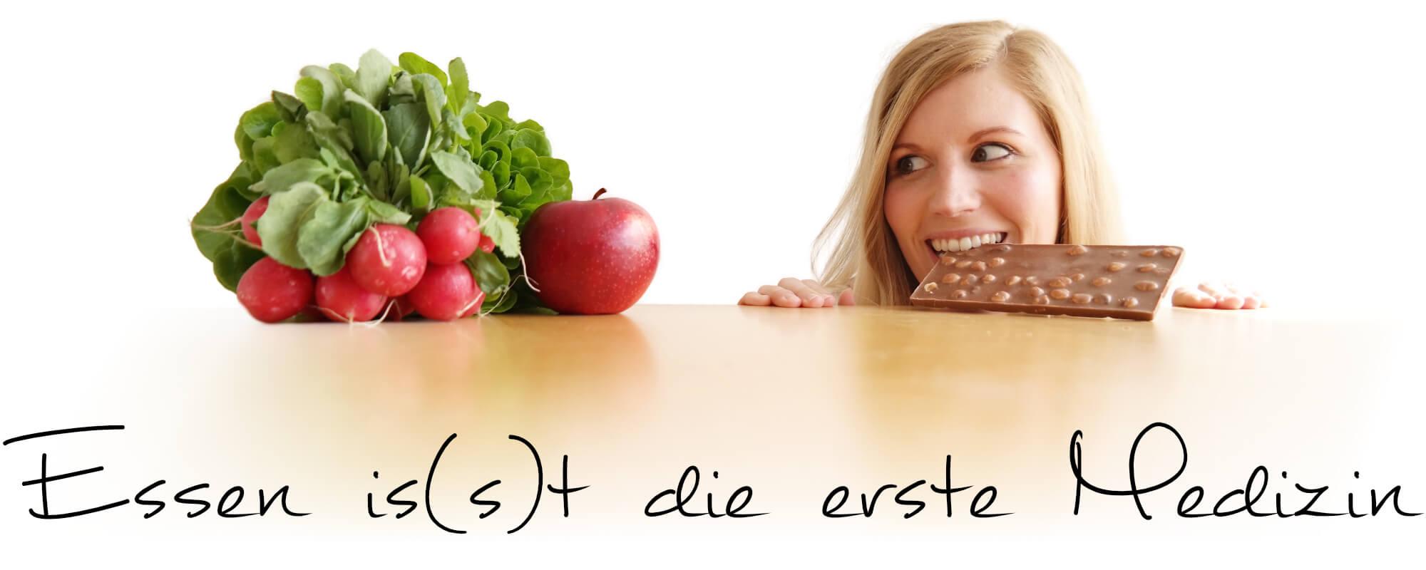 Petra_mit_Apfel_und_Schokolade_Slogan_skaliert